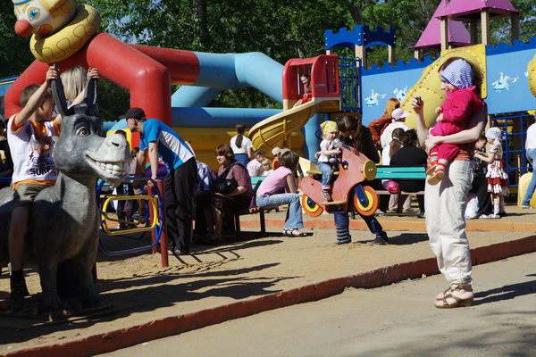 В Иркутске отметили День защиты детей, 1 июня 2011. Фото: Николай Ошкай/Великая Эпоха (The Epoch Times)