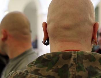 Группа скинхедов. Фото: Sean Gallup/Getty Images