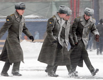 Последствия снегопада привели к мобилизации коммунальных служб в Петербурге. Фото: AFP/Getty Images