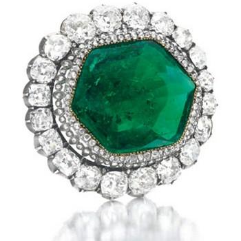 Брошь Екатерины Второй на ювелирных торгах в Нью-Йорке попала в число самых дорогих лотовФото с сайта: christies.com