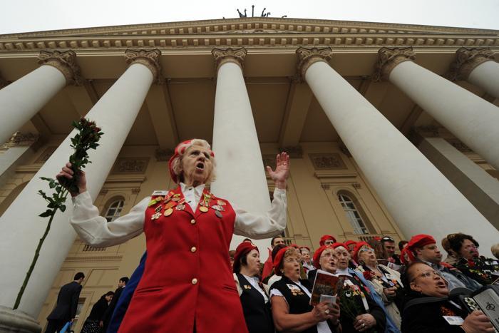 День Победы в Москве.  Ветераны Второй мировой празднуют 67-ю годовщину победы.  Фоторепортаж. Фото: KIRILL KUDRYAVTSEV/AFP/GettyImages