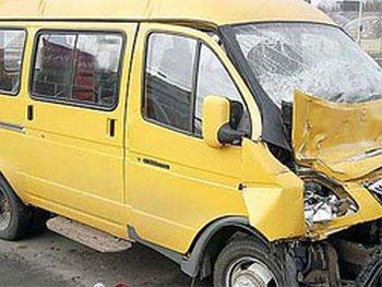 ДТП в Хакасии: два человека погибли, 16 пострадали. Фото с сайта tltnews.ru
