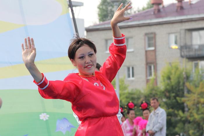 Танец «Нежный ветерок на берегах Байкала». Фото: Николай ОШКАЙ/Великая Эпоха (The Epoch Times)