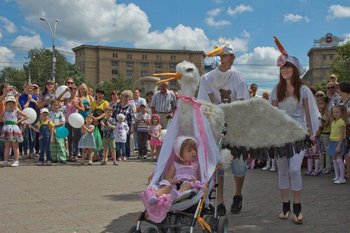 Парад колясок в довольном 2014