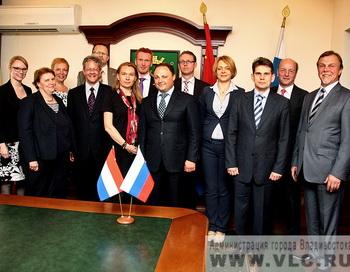 Чиновники горадминистрации Владивостока. Фото с сайта   администрации Владивостока