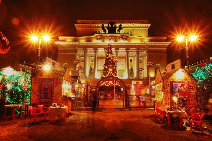 Праздничная ярмарка прошла в Санкт-Петербурге. Фото: spbcarnival.ru