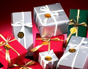 Магазины подарков и сувениров. Фото: petergid.ru