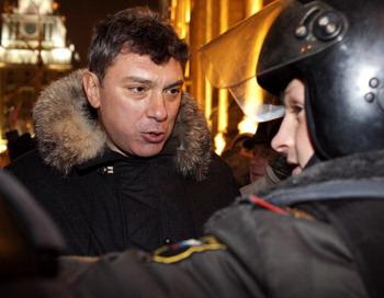 Борис Немцов арестован  31 декабря на Триумфальной площади в столице за проведение  акции в защиту 31 статьи. Фото: OXANA ONIPKO/AFP/Getty Images