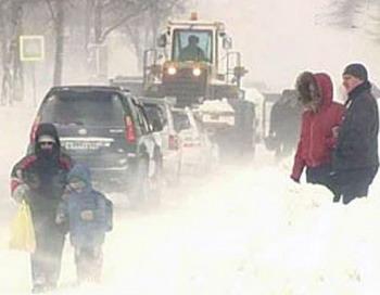 Гололед во Владивостоке, все Приморье засыпало снегом.  Фото с сайта lyrik.33b.ru