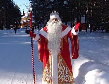 Посох Деда Мороза — волшебный инструмент, дарящий детям радость.  Фото с сайта vorle.ru