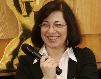 Манана Асламазян.  Фото с сайта img.nr2.ru