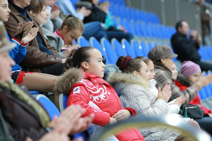 Среди зрителей много самих участников соревнований. Фото: Сергей Лучезарный/Великая Эпоха (The Epoch Times)