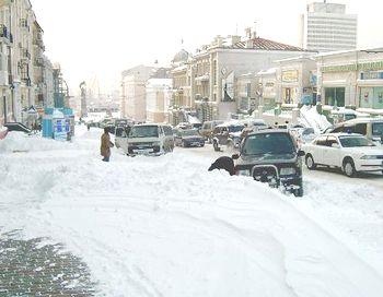 На улицы города вышло 172 единицы снегоуборочной техники. По состоянию на 10 часов утра уже зарегистрировано 35 ДТП. Фото с сайта liveinternet.ru