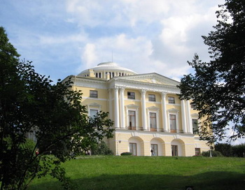Павловский дворец. Фото с сайта all-castles.com