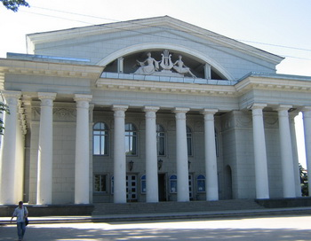 Саратовский академический театр оперы и балета. Фото с сайта om-saratov.ru
