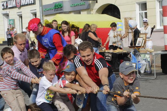 Конкурс на перетягивание каната. Фото: Николай Карпов/Великая Эпоха (The Epoch Times)