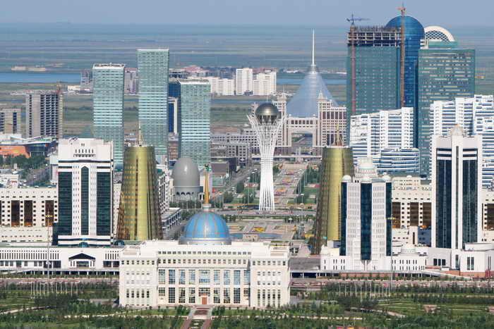 Главы стран Таможенного союза, а также Украины и Киргизии прибыли сегодня в столицу Казахстана город Астану для участия в заседании Высшего Евразийского экономического совета. Фото: STANISLAV FILIPPOV/AFP/Getty Images