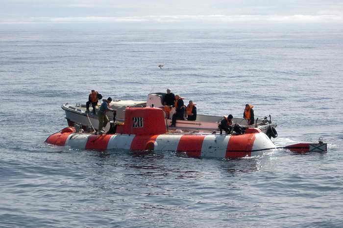 Тихий океан. Спасательный  подводный аппарат. Фото: JONATHAN HOLLOWAY/AFP/Getty Imagesт