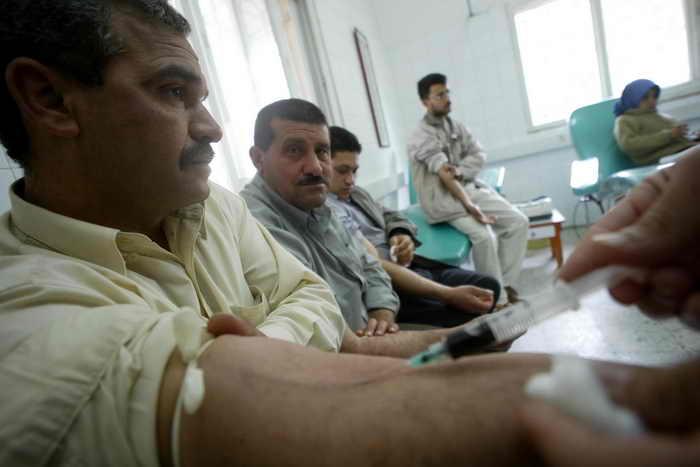 Минздрав России подготовил приказ о возврате денежной компенсации за кровь. Фото: Abid Katib/Getty Images
