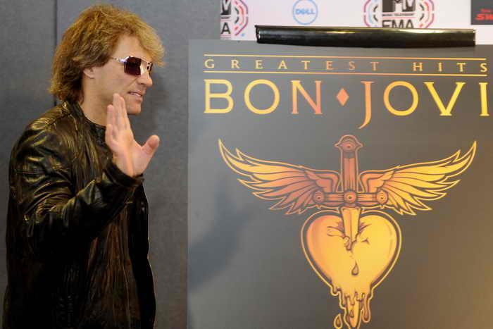 Джон Бон Джови отказался от личного гонорара за концерт в Испании. Фото: DOMINIQUE FAGET/AFP/Getty Images