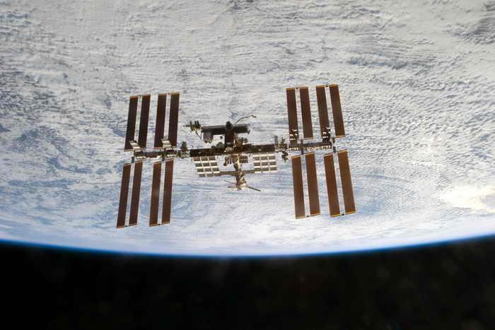 Американские астронавты с МКС вышли в космос из-за утечки аммиака. Фото: NASA via Getty Images