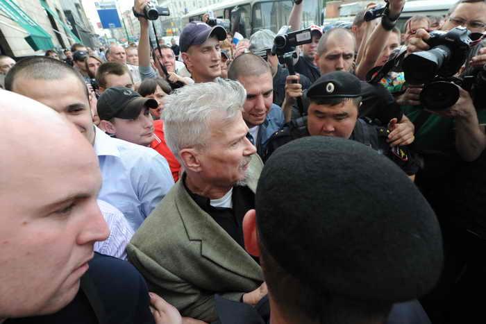 Участники акции «Стратегия -31» на Триумфальной площади вновь были задержаны. Фото: ANDREY SMIRNOV/AFP/Getty Images