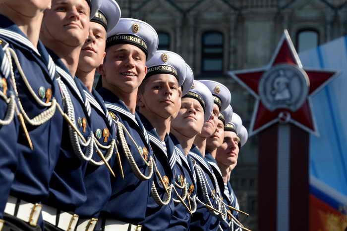 На Красной площади прошёл Парад в честь 68-й годовщины Победы над фашистской Германией во Второй мировой войне. Фото: KUDRYAVTSEV/AFP/Getty Images