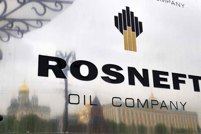 «Роснефть» стала мировым лидером по добыче нефти . Фото: DMITRY KOSTYUKOV/AFP/Getty Images