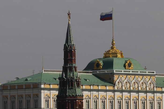 Сегодня дан старт избирательной кампании на пост мэра Москвы, выборы которого назначены Мосгордумой на единый день голосования — 8 сентября. Предвыборная кампания на пост мэра Москвы обойдётся городу в 430 млн рублей. Фото: NATALIA KOLESNIKOVA/AFP/GettyImages