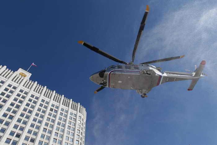 Для эвакуации раненых со МКАД вице-премьер Дмитрий Рогозин предложил создать вертолётную группу. Фото: YEKATERINA SHTUKINA/AFP/Getty Images