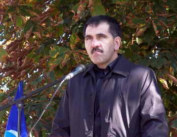 Глава Ингушетии Юнус-Бек Евкуров предлагает провести непрямые выборы президента Ингушетии.  Фото: AMIR HAKIEV/AFP/Getty Images