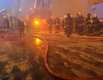 Тушение пожара. Фото: ANDREY SMIRNOV/AFP/Getty Images
