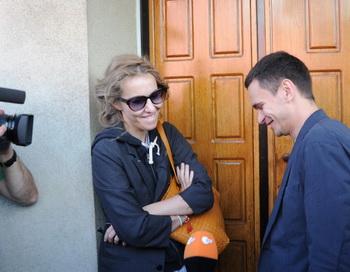 Активисты оппозиции Ксения Собчак и Илья Яшин. Фото: ANDREY SMIRNOV/AFP/GettyImages