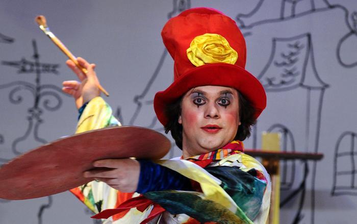 Московский театр кошек Куклачёва исполнил шоу 3 мая 2013 года. Фото: YURI KADOBNOV/AFP/Getty Images)