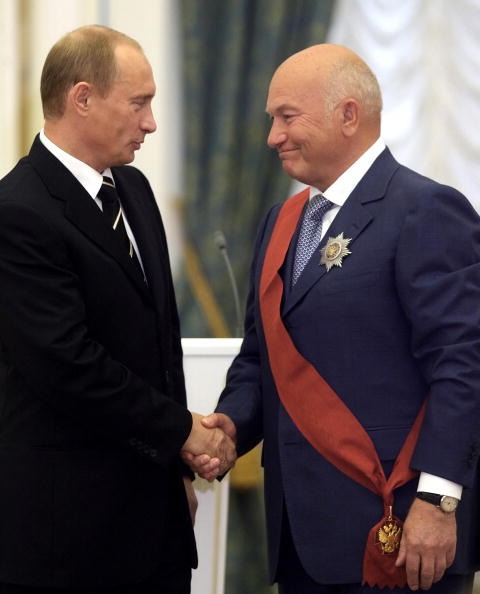 6 октября 2006 год. Юрий Лужков: биография в фотографиях. Фото: SERGEI CHIRIKOV/AFP/Getty Images