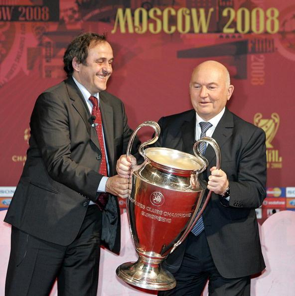 3 апреля 2008 год. Юрий Лужков: биография в фотографиях. Фото: YURI KADOBNOV/AFP/Getty Images
