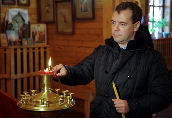 Медведев на Курильских островах. Фото: MIKHAIL KLIMENTYEV/AFP/Getty Images