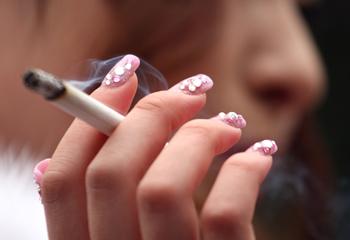 Более 300 тысяч в год преждевременных смертей в России ежегодно случаются в результате применения табака. Фото: Koichi Kamoshida/Getty Images