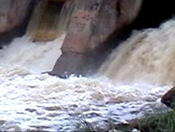 В Грозном прорвало дамбу 27 августа на реке Сунжа. Фото с stavropolie.tv