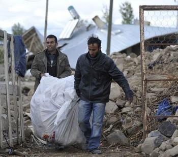 Последствия землетрясения в турецкой провинции Ван. Фото РИА Новости