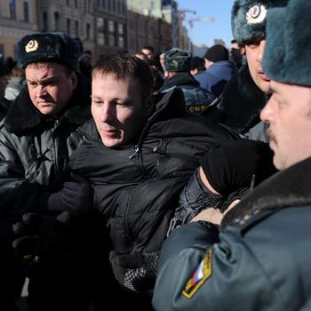 Митинг оппозиции на Конюшенной площади в Санкт-Петербурге. Фото РИА Новости