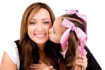 Мамы потребовали изменить схему выплаты социальных пособи.Фото с wowdewow.co.uk
