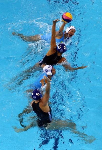 Фоторепортаж с соревнований по  водному поло на чемпионате ФИНА. Фото: Quinn Rooney/Getty Images