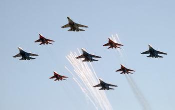 «МАКС-2011» готов к открытию. Фото: DMITRY KOSTYUKOV/AFP/Getty Images