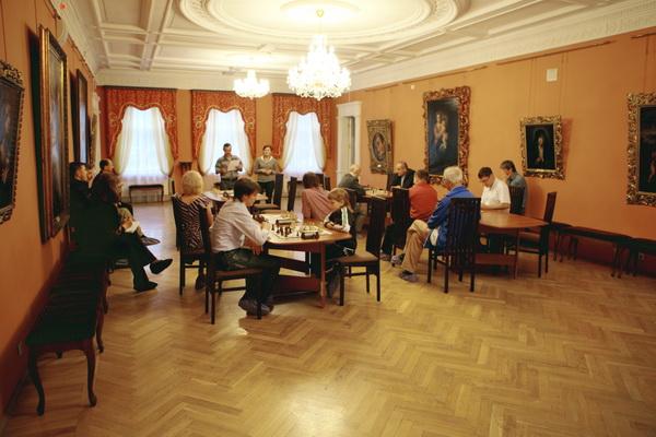 Шахматный турнир памяти Сукачева прошел в Иркутске. Фото: Николай Ошкай/Великая Эпоха