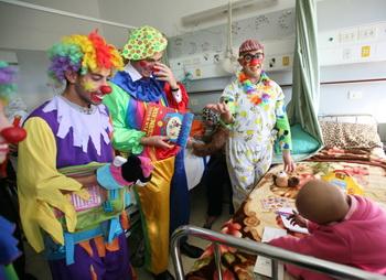 Томский проект «Доктор Клоун» стал победителем среди российских добровольческих проектов. Фото: inadtheater.com