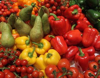 Безопасность каждой партии овощей, ввезенной из стран ЕС на територию России, этим летом подтверждалась специальным сертификатом. Фото: Sean Gallup/Getty Images.