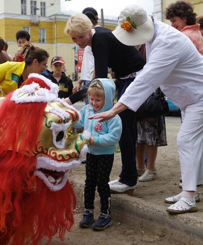 Юбилейный парад в Ангарске    . Фото: Николай Ошкай/Великая Эпоха (The Epoch Times)