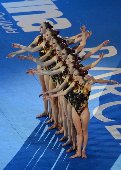 Шестое «золото» выиграли российские синхронистки на ЧМ. Фото: LLUIS GENE/AFP/Getty Images