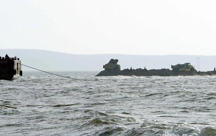 Российские пограничники потопили лодку с украинскими рыбаками. Фото: VALERIY SOLOVJEV/AFP/Getty Images
